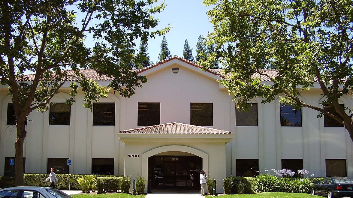 Front view at Mountain View Courtyard in Sunnyvale